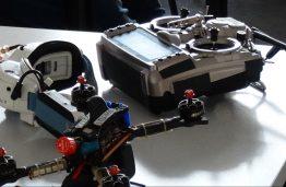 FabLab Kaunas lenktyninių dronų gamybos dirbtuvės pradėjo ketvirtąjį sezoną
